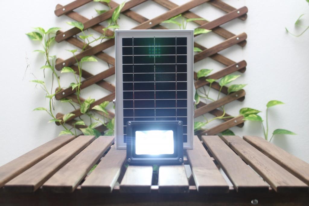 solar-flood-light-3-watt